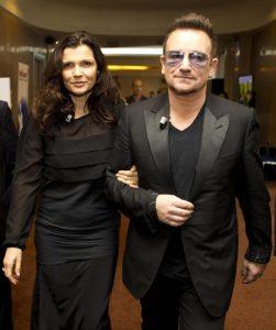 Bono przeprasza żonę